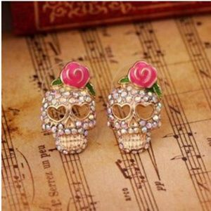 NEW CRYSTAL SKULL PINK ROSE STUD EARRINGS